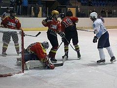 Hokejisté Blanska porazili Uherský Ostroh 6:3. V obraně ale dělali chyby a několikrát je zachraňoval gólman.