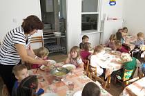 Opravená jídelna v mateřské škole v Křetíně.