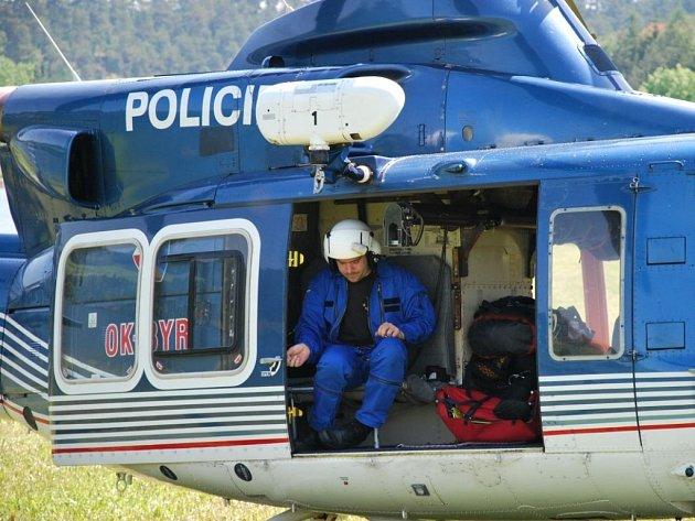 Policejní vrtulník v akci