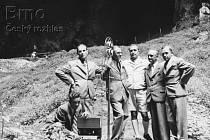 Český rozhlas vysílal ze dna Macochy už v roce 1936. V pátek si to zopakuje.