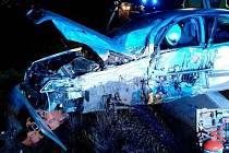 Nehoda tří osobních aut zablokovala v úterý před šestou večer provoz na nejrušnějším silničním tahu na Blanensku. Na silnici I/43 z Brna do Svitav poblíž odbočky na obec Voděrady. Při nehodě se zranili dva muži středního věku.