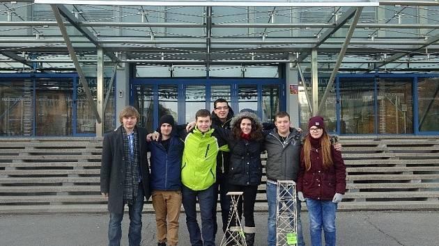 Studenti z Masarykovy střední školy Letovice sbírají na dovednostních soutěžích středních škol úspěchy pravidelně. Před několika dny obsadili druhé místo při akci Hala roku junior. Tu pořádá Fakulta stavební ČVUT v Praze.