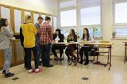 Na Obchodní akademie a střední zdravotnické škole v Blansku volili studenti prezidenta. Nanečisto.