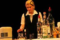 Hlavní sál Dělnického domu zcela ovládl osmý ročník juniorské barmanské soutěže Amundsen Cup.