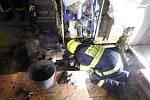 Přibližně půlmilionovou škodu způsobil požár rodinného domu v Bukovince.
