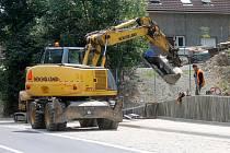 Oprava průtahu místní části Blanska, Lažánkami, stále není u konce.