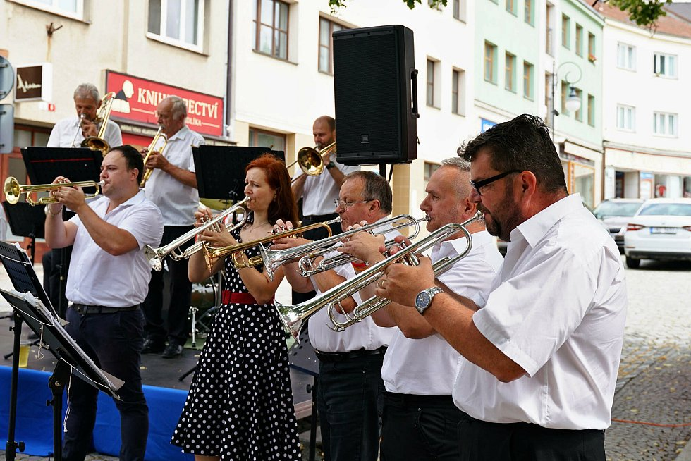 Promenádní sezónu 2021 zahájila Boskovická kapela.