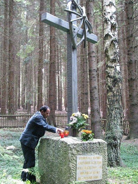 Pomník romským obětem v Hodoníně u Kunštátu
