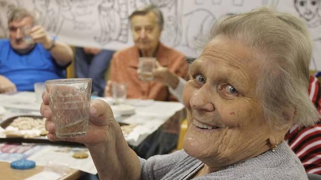 Svatomartinské tvoření v blanenském Senior centru.