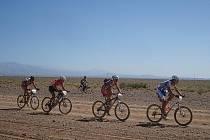 Ondřej Fojtík na trati etapového závodu Nissan Titan Desert v Maroku. V konkurenci tři sta padesáti jezdců dojel na druhém místě.