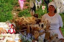 Jarmark v Letovicích vtáhl návštěvníky do dob šermířů a kejklířů.