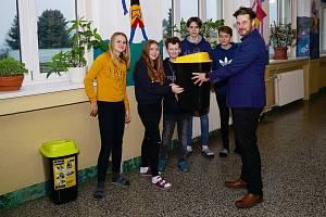 V boskovických školách mají nové koše na tříděný odpad.