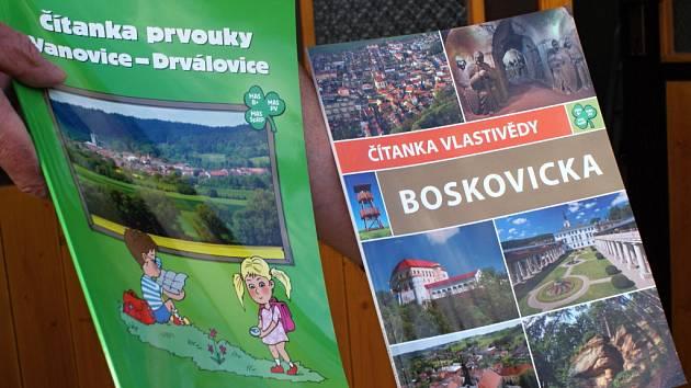 Ukázka regionálních učebnic, ze kterých se budou od září učit děti na Boskovicku.