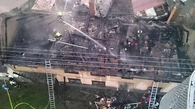 Středeční požár rodinného domu v Drysicích