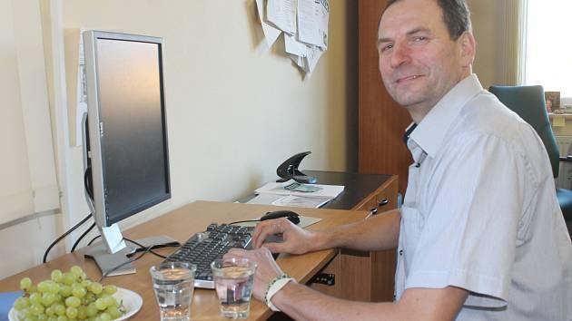 Ředitel boskovické divize Vodárenské akciové společnosti Petr Fiala odpovídá on-line.