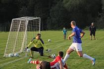 Fotbalisté Kvasaru Černá Hora porazili Sadros Boskoivce a zvýšili šance na získání letošního titulu v 1. Italcars lize.