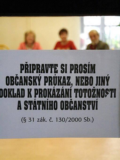 V Černé hoře byl první volební okrsek na tamní radnici.