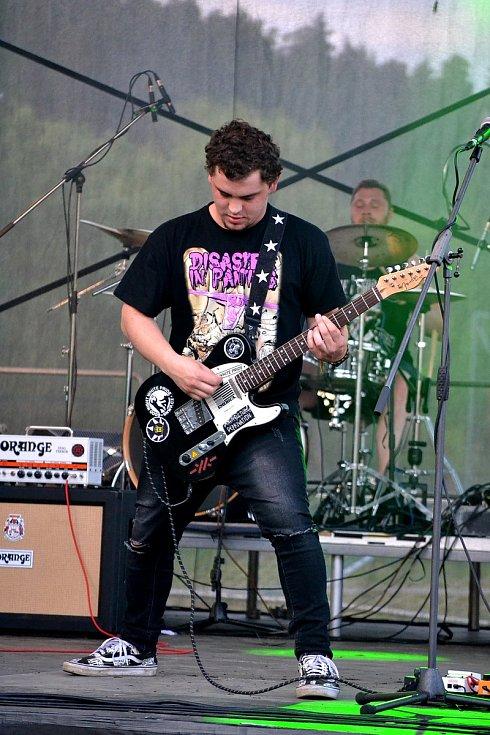 Na festivalu Wostrow v Ostrově u Macochy zahráli The Desperate Mind.