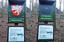Zvláštní způsob propagace Moravy zvolil zatím neznámý vandal, který zničil cedule v Moravském krasu.