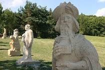 Ve Vískách začal už čtvrtý sochařský ateliér. Veřejnosti je volně přístupný.