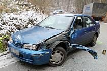 Nehodou skončila ve čtvrtek ráno jízda osmatřicetileté řidičky. Po osmé hodině ráno dostala v jedné ze zatáček v kopci ve směru od Olomučan do Josefova smyk.