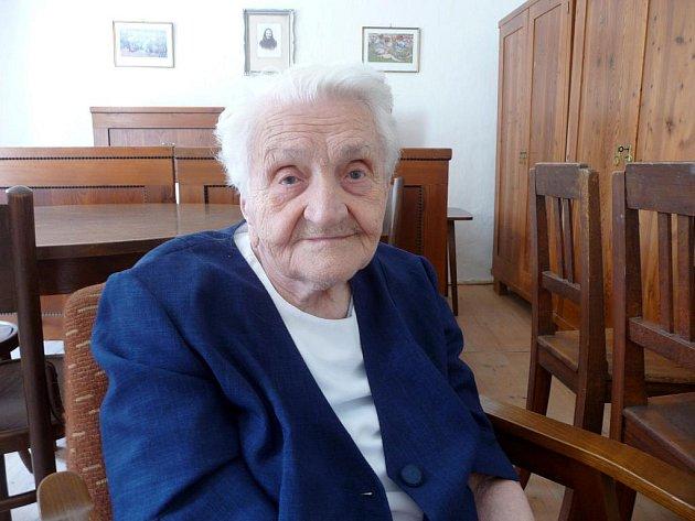Růžena Chladilová z Vísek se v pátek oslaví sté narozeniny.