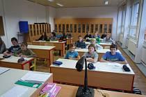 Olešničtí už před rokem a půl zmodernizovali zázemí pro praktickou výuku žáků tamní základní školy. Teď jsou na řadě šatny.
