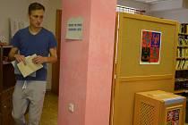 v Suchém se v sobotu konaly volby do obecního zastupitelstva. Za poslední rok a půl tam šly obyvatelé k volebním urnám již potřetí.