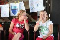Studenti primy blanenského gymnázia hned druhého září vyjeli na několikadenní seznamovací výlet do Hodonína u Kunštátu.