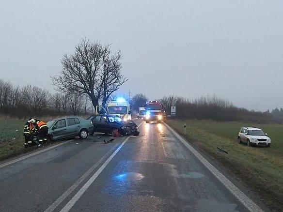Dvě jednotky hasičů zasahovaly u dopravní nehody poblíž Sebranic.