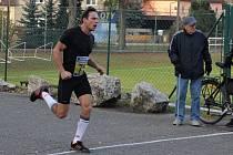 Dvě stovky běžců absolvovalo v sobotu Běh za jedovnickým kaprem. Vyhrál Lukáš Olejníček z Brna.