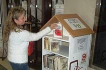 Boskovická knihovna od čtvrtku nabízí k přečtení knížek z knihobudky. Bez registrace a zdarma.