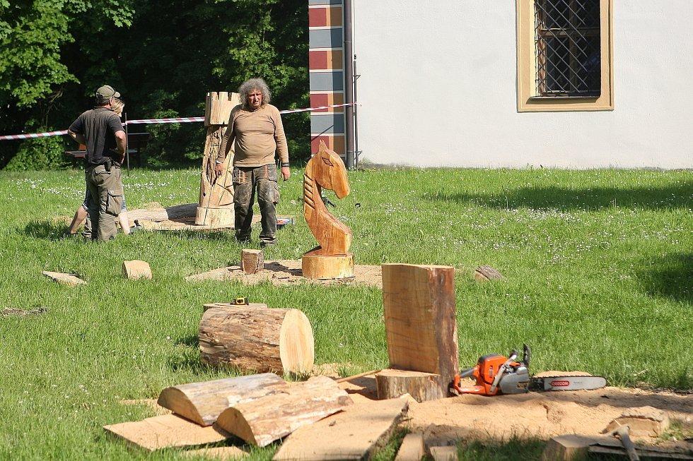 Zámeckým parkem v Blansku burácely motorové pily.