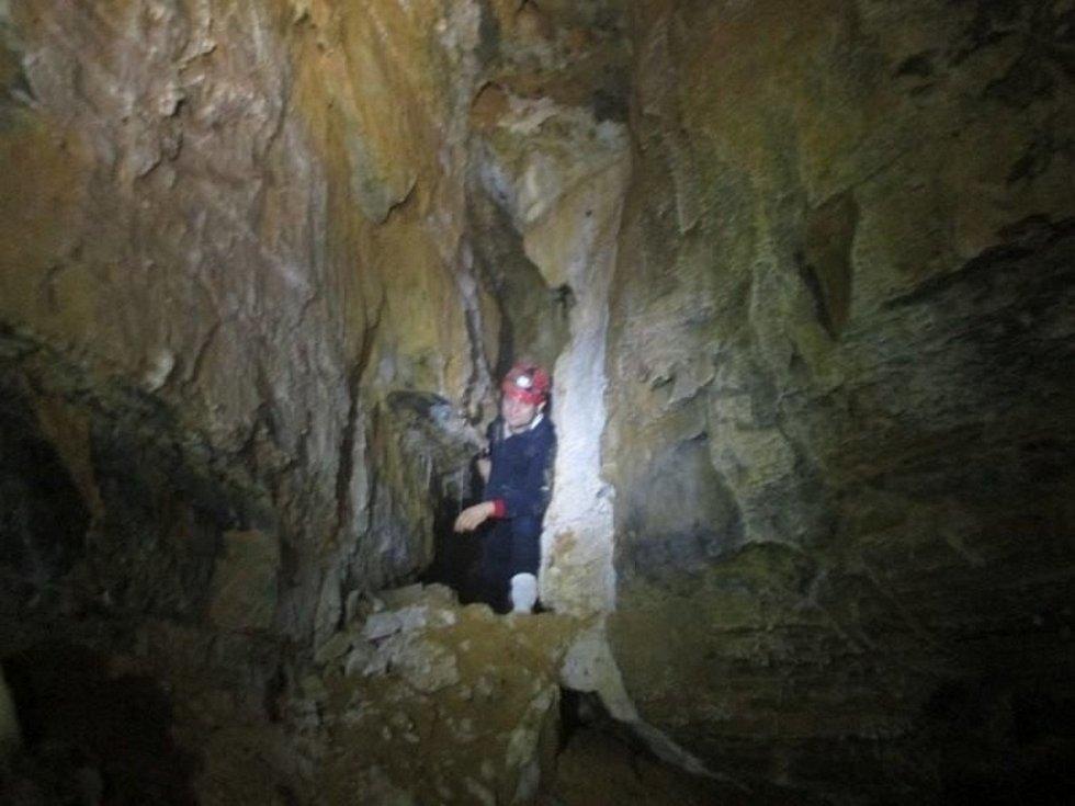 Jeskyňáří v Býčí skále objevili sto metrů dlouhou chodbu. Pojmenovali ji Kočárová.