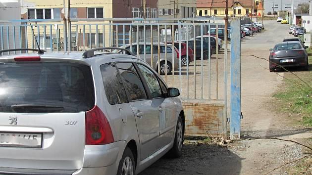 Boskovičtí na letošek plánují propojení Štefánikovy a Nádražní ulice. Obyvatelé Štefánikovy jsou stále proti.