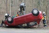 S autem v Křtinském potoce skončil ve čtvrtek dopoledne řidič nedaleko Adamova. Havaroval na namrzlé silnici v zatáčkách v Josefovském údolí.