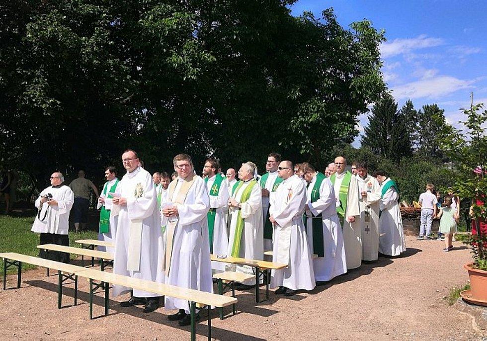 Primici si nenechaly ujít desítky kněží nejen z Moravy.