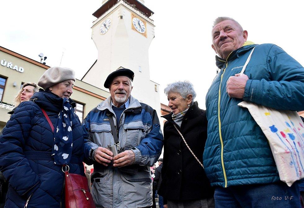 Letošní Polévka pro chudé i bohaté byla v Boskovicích rekordní. Příchozí věnovali na Štědrý den na dobročinné účely 81 618 korun. Celková částka za pětadvacet let dělá 1 057 536 korun.
