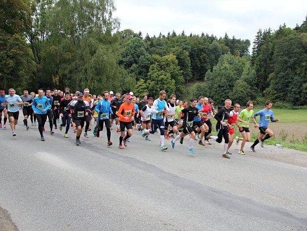 Běžecký seriál Hraběnka Cup zakončil poslední závod ze Sloupu do Petrovic.