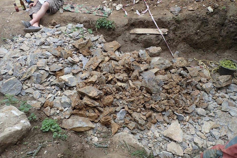 V Moravském krasu u Vilémovic na Blanensku nedávno jeskyňáři objevili desítky metrů pod zemí rozsáhlý podzemní dóm. S nedotčenou krápníkovou výzdobou. Má rozměry přibližně třicet krát třicet metrů. FOTO: Základní organizace Česká speleologická společnost