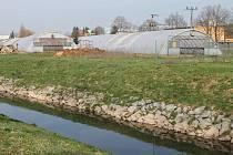 V Blansku na Poříčí má místo skleníků a zahradnictví do dvou let stát nákupní centrum s obchody a supermarketem.