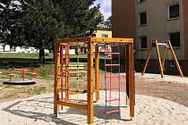 Pro děti Blanenští koupili nové herní prvky. Jsou v centru v Bezručově ulici a také v sídlišti Podlesí.