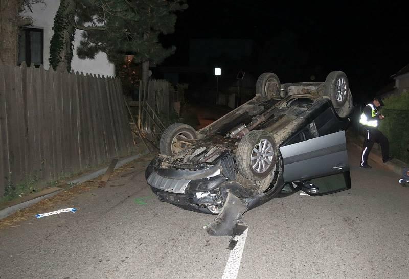 Nehoda v obci Brťov-Jeneč.