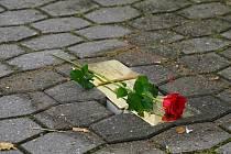 Pokládání kamenů zmizelých v Boskovicích.