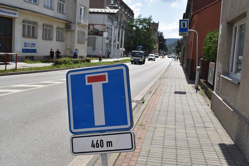 Dopravní situace v Blansku, samá uzavírka.