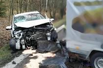 Nehoda kamionu a tří osobních aut zablokovala dopravu na silnici I/43.