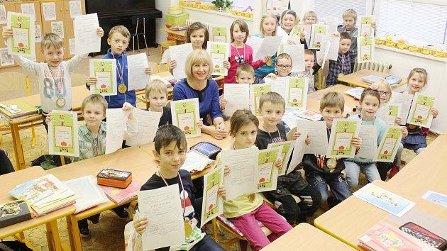 Prvňáčci ze základní školy v Knínicích.