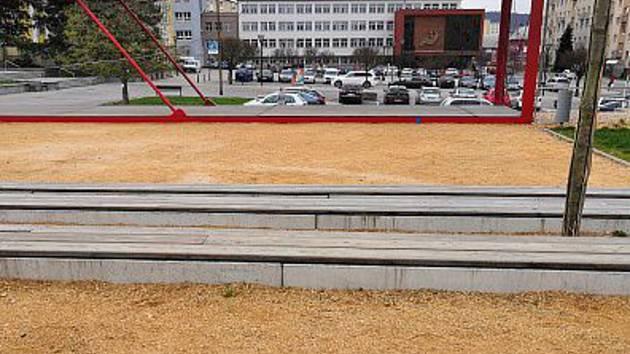 Park na místě bývalého hotelu Dukla v centru Blanska. Ilustrační foto.