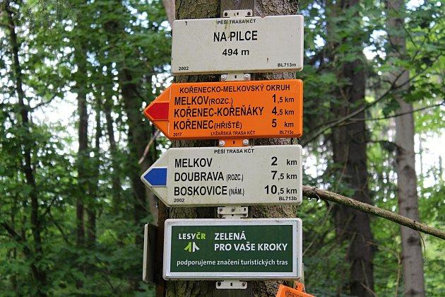 Turistické značení je podle Vladimíra Cikánka z Velkých Opatovic i v dnešní době nezastupitelné.