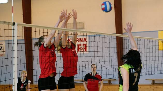 Blansko – DDM Brno B krajský přebor I ženy. Blansko vyhrálo 3:1 a pak prohrálo 2:3